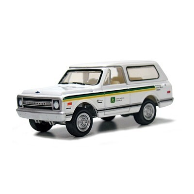 John Deere Chevy Blazer 1969 1:64 - Johnny Lightning