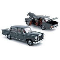 1966 Mercedes 200 Sedan Cinza 1/18 - Califórnia Toys