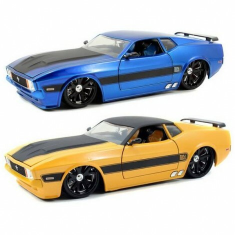 1973 Ford Mustang Mach 1 1/24 - Califórnia Toys