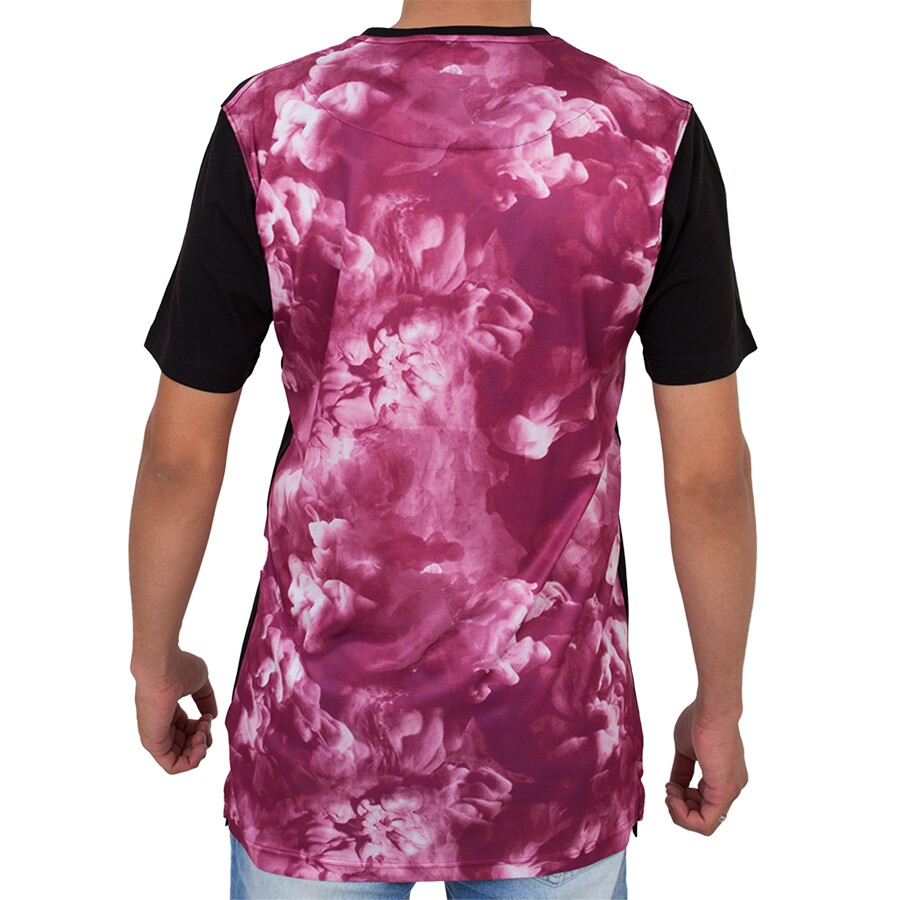 Camiseta Cayler And Sons Elevate Long Preta / Pink