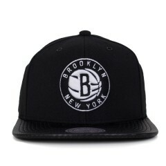 Boné Mitchell and Ness Snapback Brooklyn Nets Aba Couro Preto