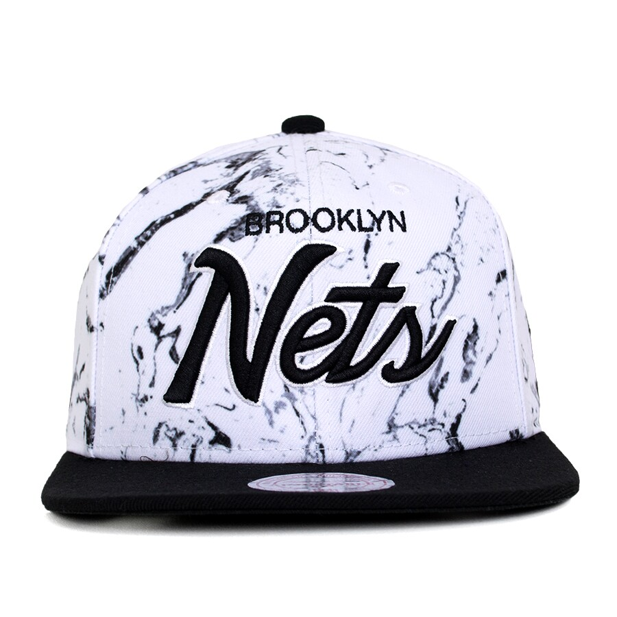 Boné Mitchell and Ness Snapback Brooklyn Nets Branco   Preto - DEP ... a21877232e871