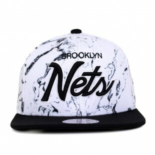 Boné Mitchell and Ness Snapback Brooklyn Nets Branco / Preto