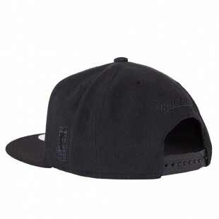 Boné Mitchell and Ness Snapback Brooklyn Nets Preto