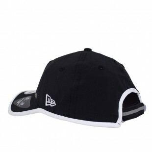 Boné New Era Strapback 9Twenty Piping Aba Curva Preto
