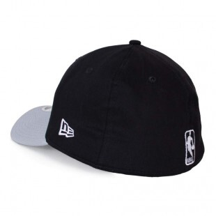Boné New Era 39Thirty Brooklyn Nets Aba Curva Preto / Cinza