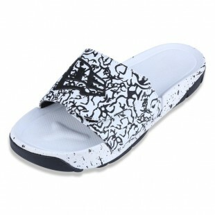 Chinelo New Era Slip-On Branded Branco / Preto