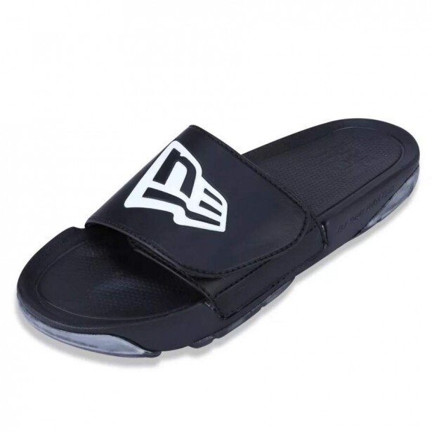 Chinelo New Era Slip-On Branded Preto