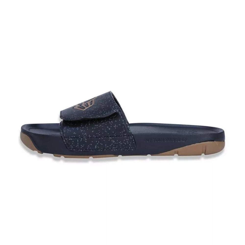 Chinelo New Era Slip-On Preto / Dourado