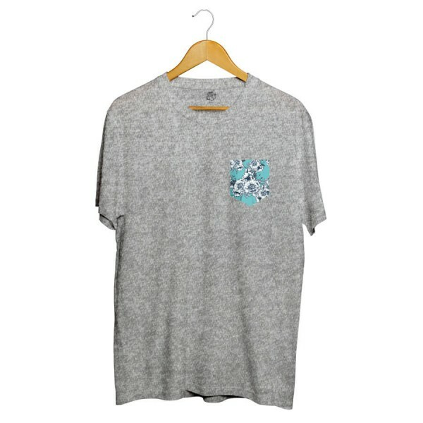 Camiseta BSC Blue Flowers Pocket Sublimada Cinza