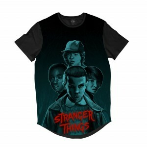 Camiseta Longline BSC Stranger Things Grupo Sublimada Cinza