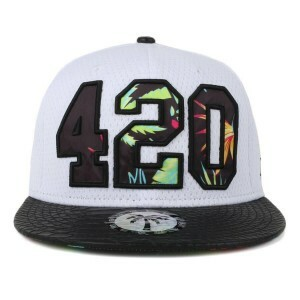 Boné BLVD Supply Snapback Four Twenty Branco